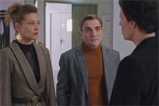 Elsa annonce à Jade et Joseph que l'activité des pompes funèbres redevient légale