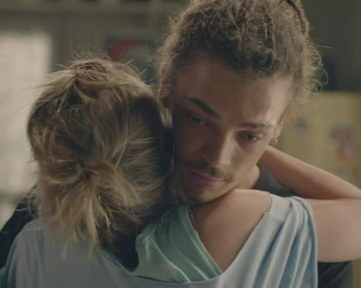 Plus belle la vie Indiscrétion : Rapprochement entre Baptiste et Barbara...
