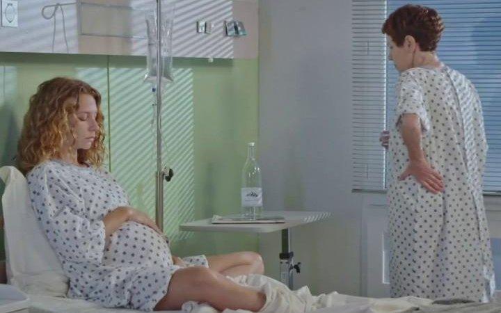 Plus belle la vie Indiscrétion : Babeth et Léa à l'hôpital intoxiquées