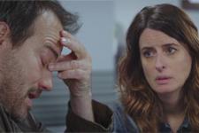 ALERTE PLUS BELLE LA VIE ! Luna et Jean-Paul évoquent leur amour pour tromper leur inquiétude