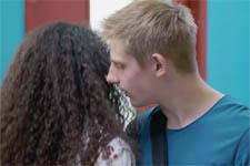EXCLU VIDÉO : Mila victime de harcèlement sexuel au Lycée Vincent Scotto !