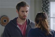 Bertrand culpabilise d'avoir présenté Andrès (Pavel) à Luna!