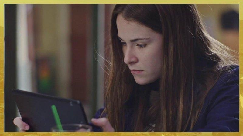 Indiscrétion : Lola pirate le portable de Noé et découvre...