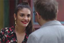 Le nouveau look de Nathan fait sensation auprès de Sabrina!