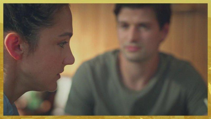 Plus belle la vie Indiscrétion : Emma apprend que Baptiste et Barbara flirtent...